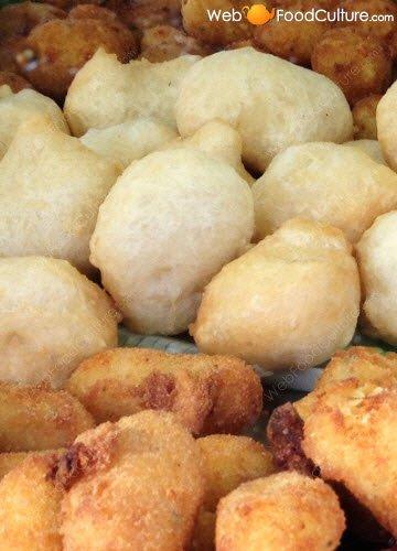 Crocchè di patate: Crocchè e pasta cresciuta.