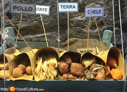 Crocchè di patate: 'Cuoppo'.