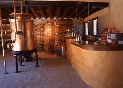 Maraschino liqueur: Luxardo factory, Torreglia, interior (crt-01)