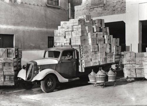 Maraschino liqueur: Luxardo factory, Zara, little truck (crt-01)