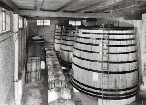 Maraschino liqueur: Luxardo factory, Zara, Maraschino barrels (crt-01)