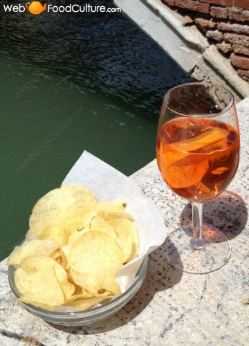 Aperitif and chips.