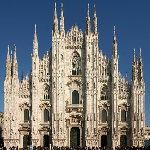 Panettone cake: Milan Cathedral, facade (cc-01)