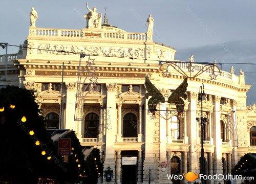 Torta Sacher: Vienna, teatro dell'opera.