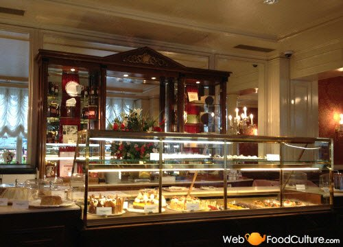 Sachertorte: Hotel Sacher, tea room.
