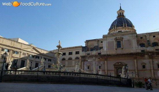 Sicilian Cannoli: Palermo, Piazza Pretoria (crt-01)