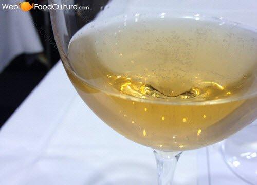 Champagne wine: The Martinotti / Charmat method.