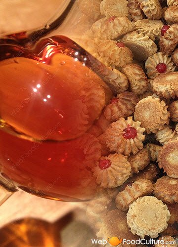 Marsala wine: Marsala Superiore and almond paste biscuits.
