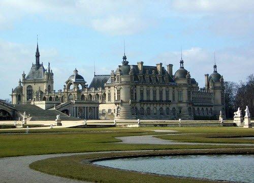Renaissance banquets by Vatel: Chateau de Chantilly (img-03)