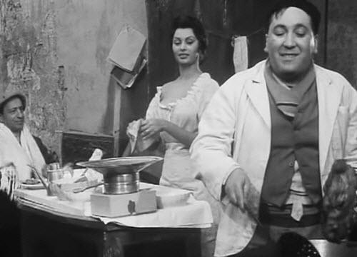 Sophia Loren in 'The Gold of Naples' (img-06)