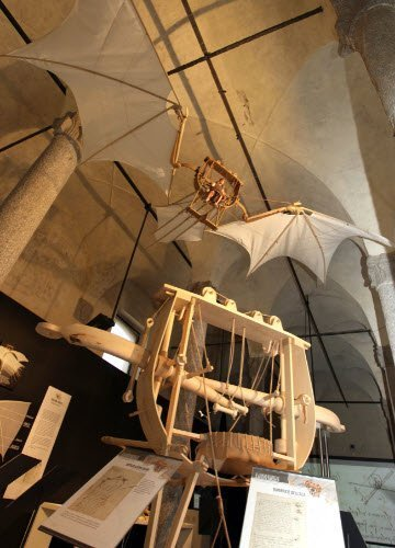 Leonardo da Vinci and wine: 'Grande Nibbio', Leonardo's flying machine (cc-01)