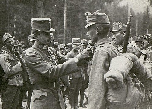 Asiago Cheese: 1917, Asiago, Kaiser Karl visiting his troops (img-03)