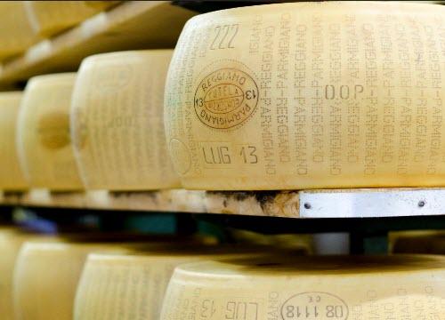 Il marchio del Parmigiano Reggiano (crt-01)