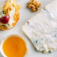Gorgonzola cheese: the best pairings (crt-01)