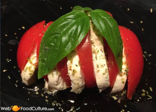 Buffalo Mozzarella: tomato & mozzarella, the 'Caprese'.