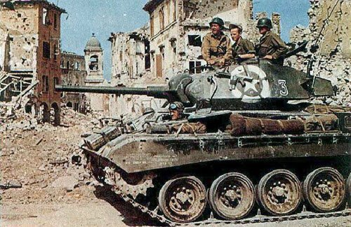 M24 Chaffee of the 81st Reconnaissance Squadron, WW2 (img-03)