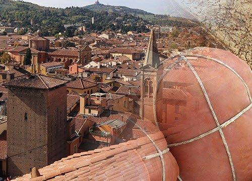 Mortadella in the Bolognese cuisine (crt-01)