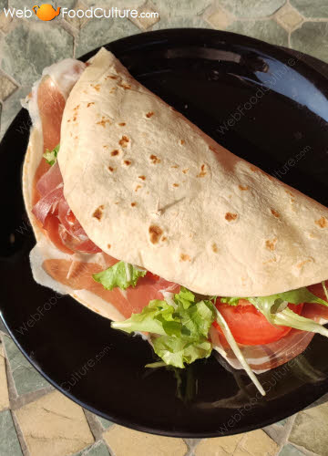 Piadina Romagnola: the fillings.