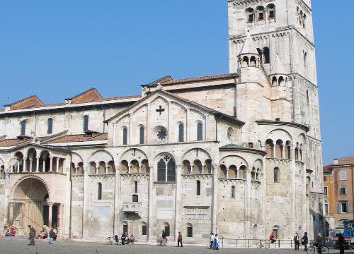Cotechino: Duomo di Modena e torre Ghirlandina (cc-03)