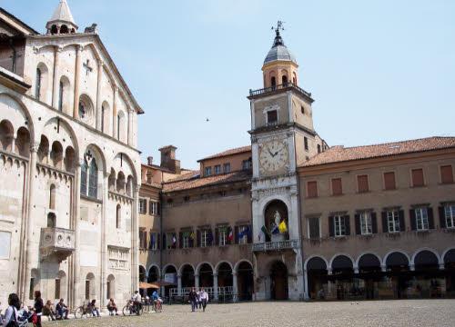 Cotechino: Duomo di Modena e Palazzo del Comune (cc-01)