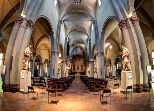 Cotechino: Chiesa di San Pietro, Modena (cc-04)