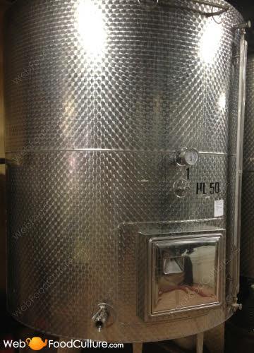 Lambrusco wine: 'Martinotti' (or 'Charmat') method.