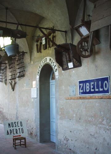 Culatello di Zibello: ingresso del museo, Zibello (cc-05)